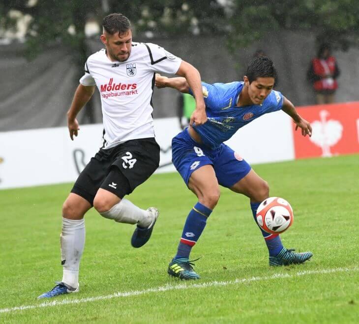 Mainz 05-Stürmer Joshinori Muto im DFB-Pokalspiel beim Lüneburger SK