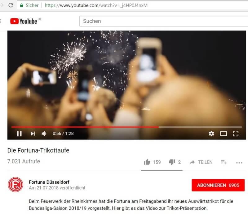 Fortuna-Trikottaufe während des Feuerwerks der Rheinkirmes
