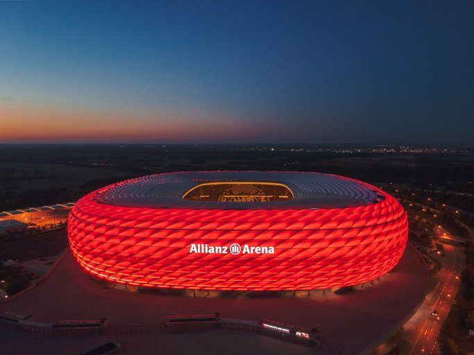 Allianz Arena beleuchtet